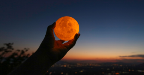3 Things You Should (& Shouldn't) Do this Full Moon